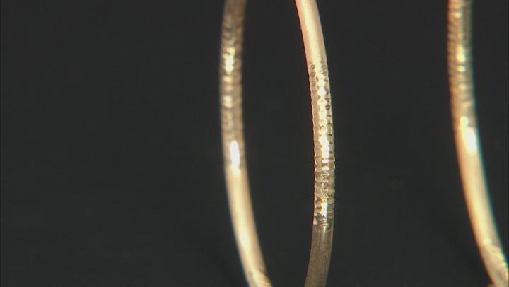 10k Yellow Gold Satin And Diamond-Cut 30mm Round Tube Hoop Earrings