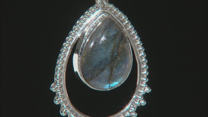 Gray Labradorite Pendant With Chain