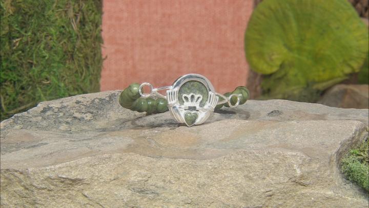 Green Connemara Marble Heart Shape Silver Claddagh Stretch Bracelet