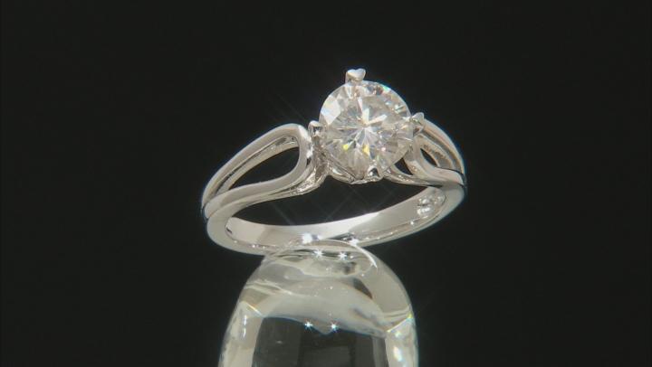 Moissanite Ring Platineve ™ 1.50ct DEW